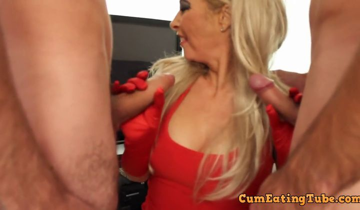 blondie - Light Haired Gargle Bukkake & Gang Fuck Surprise ! British Cougar L…